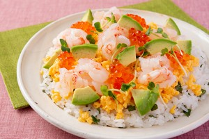 201924_shrimp_and_avocado_refreshing_chirashi_sushi
