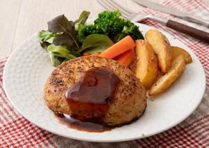 2020111_hamburger_steak_with_minced_fish_and_momobuta